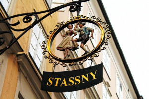 Dirndl Stassny Getreidegasse Salzburg
